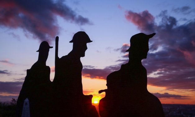 Anzac Day Dawn Services in Newcastle and Hunter Valley